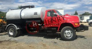 1998 Etnyre 2000 Gallon Distributor Truck